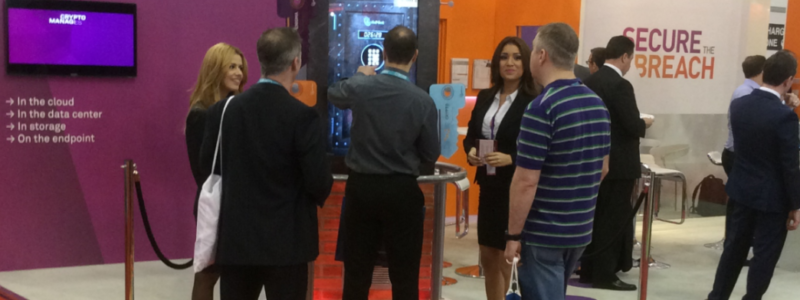 3 ways exhibition booth staff can support your B2B live marketing